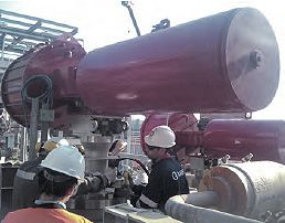 Quintero Bay 의 바다 터미널에 설치된 Rotork GP 엑츄에이터(spring-return, scotch-yoke 공압 엑츄에이터)