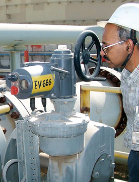 One of the many IQ actuator installations at the Reliance Jamnagar refinery.